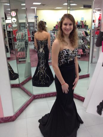 SUCCESS. I FINALLY FOUND A DRESS.